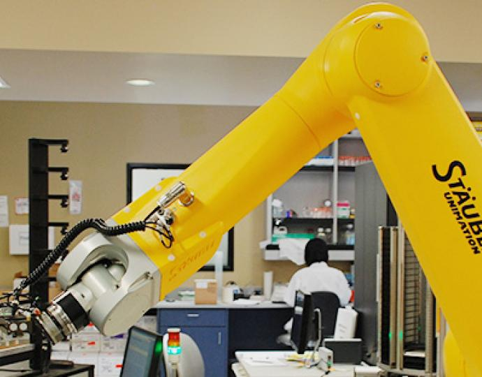Pebys Center robot arm