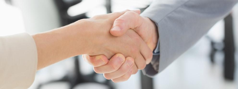 close up handshake man and woman